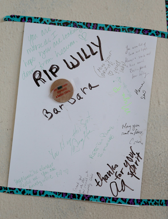 ". A memorial for ""Willie\"" is seen at Lake Merritt in Oakland, Calif., on Monday, Aug. 29, 2016. (Jane Tyska/Bay Area News Group)"