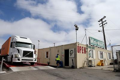 Oakland Port Scale and Mini-Mart