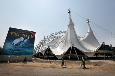 Odysseo tent-raising