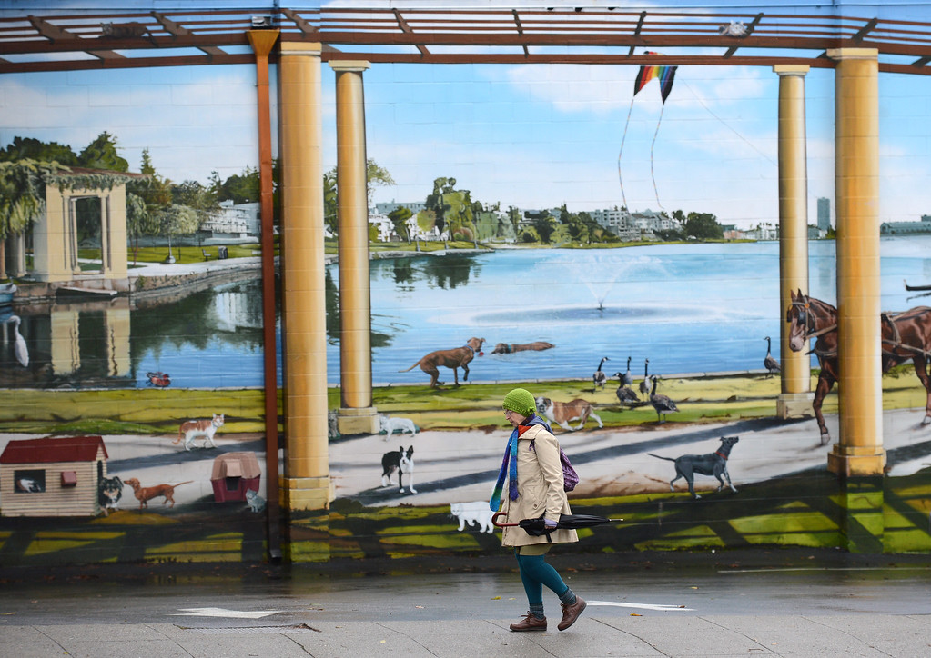 . No it was not a beautiful day along Lake Merritt, it\'s just a mural on a building off of Broadway Ave in Oakland, Calif., photographed on Saturday, Feb. 8, 2014. There was intermittent rain and wind all day. (Dan Honda/Bay Area News Group)