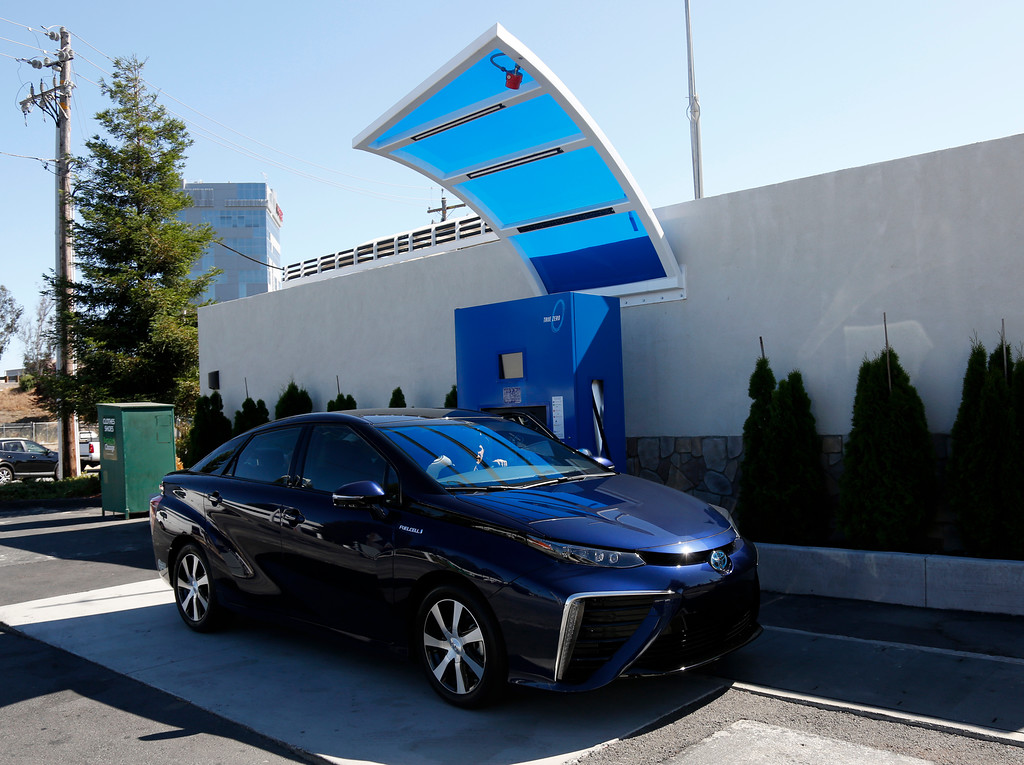 . Troy Wolverton, Mercury News technology columnist, parks a 2016 Toyota Mirai, a hydrogen fuel cell vehicle, next to a refueling station at E. Brokaw Road and N. First St. in San Jose, Calif., on Wednesday, June 22, 2016. (Nhat V. Meyer/Bay Area News Group)