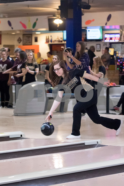 Sam Buckner for Shaw Media.<br /> Sycamore's Heather Carlson lets go of the ball at the NI Big 12 regional meet on Thursday February 2, 2017.