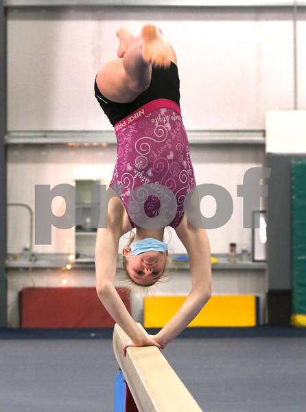 dc.0204.DeKalb-Sycamore co-op gymnastics01