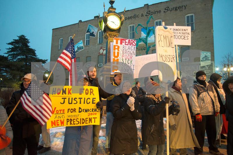 dnews-206-dekprotest3