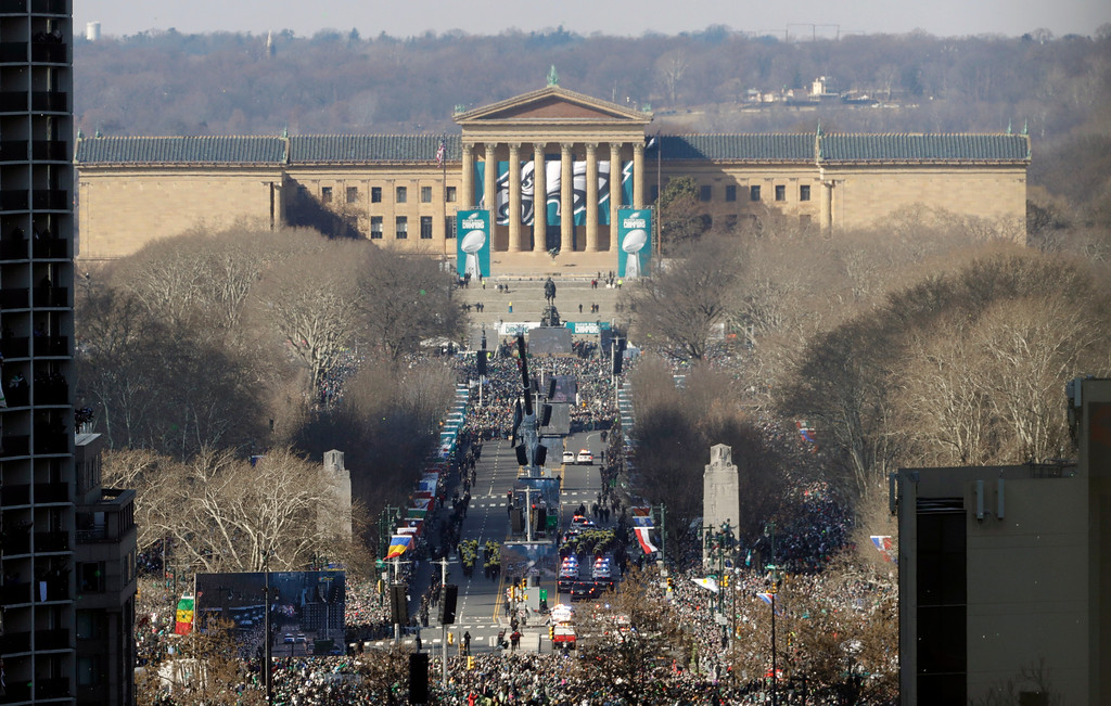 . Philadelphia Eagles\' drive down the Benjamin Franklin Parkway towards the Philadelphia Museum of Art during a Super Bowl victory parade, Thursday, Feb. 8, 2018, in Philadelphia. The Eagles beat the New England Patriots 41-33 in Super Bowl 52. (AP Photo/Matt Slocum)