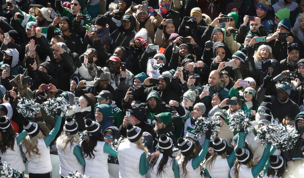. Philadelphia Eagles NFL football team fans cheer during a Super Bowl victory parade, Thursday, Feb. 8, 2018, in Philadelphia. The Eagles beat the New England Patriots 41-33 in Super Bowl 52. (AP Photo/Matt Slocum)