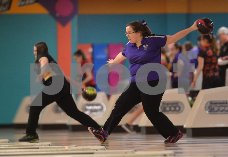 dspt_sun_211_bowlingsect4