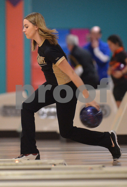 dspt_sun_211_bowlingsect2