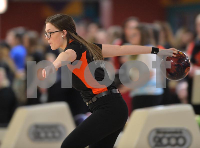dspt_sun_211_bowlingsect3
