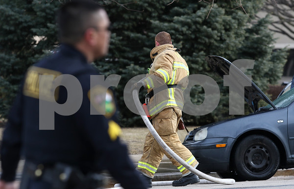 dnews_0216_Car_Fire_04