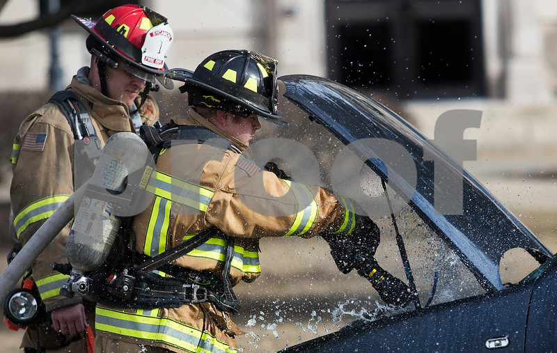 dnews_0216_Car_Fire_01