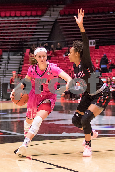 Sam Buckner for Shaw Media.<br /> Courtney Woods drives to the basket on Saturday February 17, 2018 against Ball State.