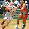 dc.sports.0221.ic basketball03