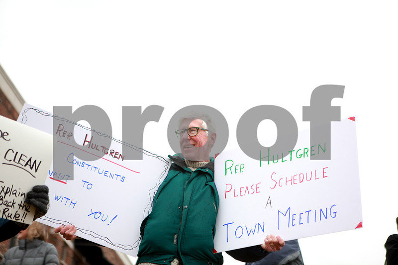 knews_thu_302_GEN_HultgrenProtest3