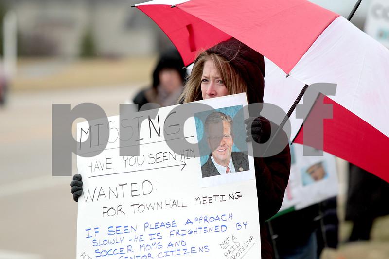knews_thu_302_GEN_HultgrenProtest2