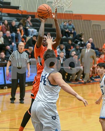dc.sports.0228.dekalb.basketball03