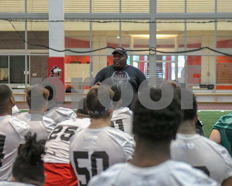 dc.sports.niu football coaches26