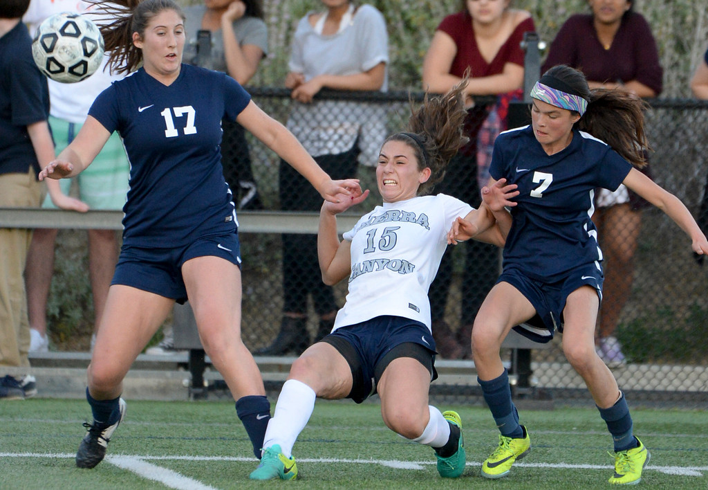 . Sierra Canyon�s Brittany Sacks, #15, gets a shot off as Viewpoint\'s Lee Sandel, #17, and Kailan Mackey, #7, defend on the play during game action at Sierra Canyon Thursday, March 9, 2017.  Sierra Canyon defeated Viewpoint 3-0.    (Photo by David Crane, Los Angeles Daily News/SCNG)