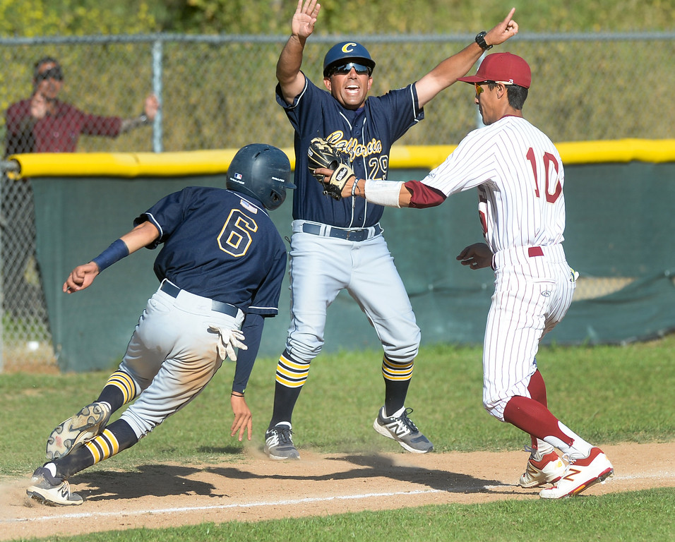 . La Serna third baseman Jacob Mora (10) tags out California\'s Nick Sanchez (6) trying to get back to third base in their Del Rio League game at La Serna High School in Whittier on Wednesday April 5, 2017. (Photo by Keith Durflinger/Whittier Daily News/SCNG)
