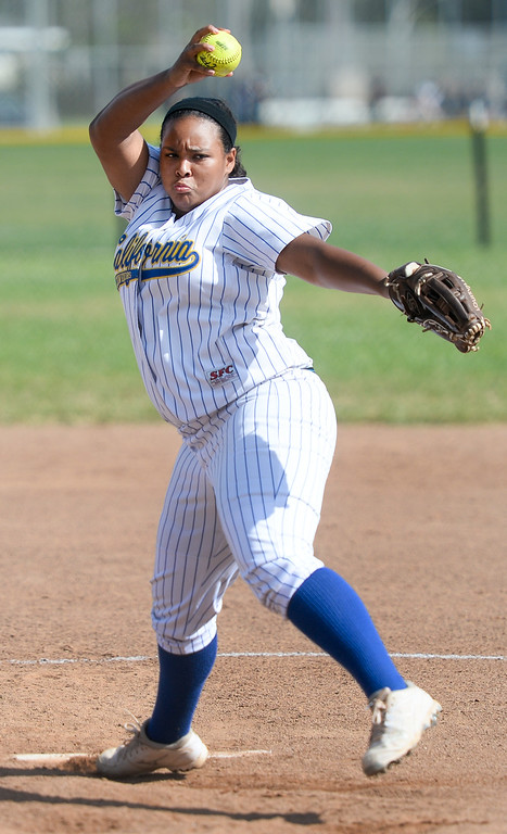 . California pitcher Amanda Cabral (15) makes a pitch in their Del Rio League girls softball game at Santa Fe High School in Santa Fe Springs on Thursday April 13, 2017. California defeated Santa Fe 11-8. (Photo by Keith Durflinger/Whittier Daily News/SCNG)