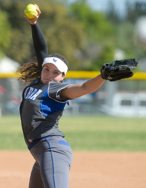 . La Habra pitcher Tristin Jelonek (17) makes a pitch as they play Fullerton in their Freeway League girls softball game at La Habra High School in La Habra on Thursday April 20, 2017. La Habra defeated Fullerton 12-0. (Photo by Keith Durflinger/Whittier Daily News/SCNG)