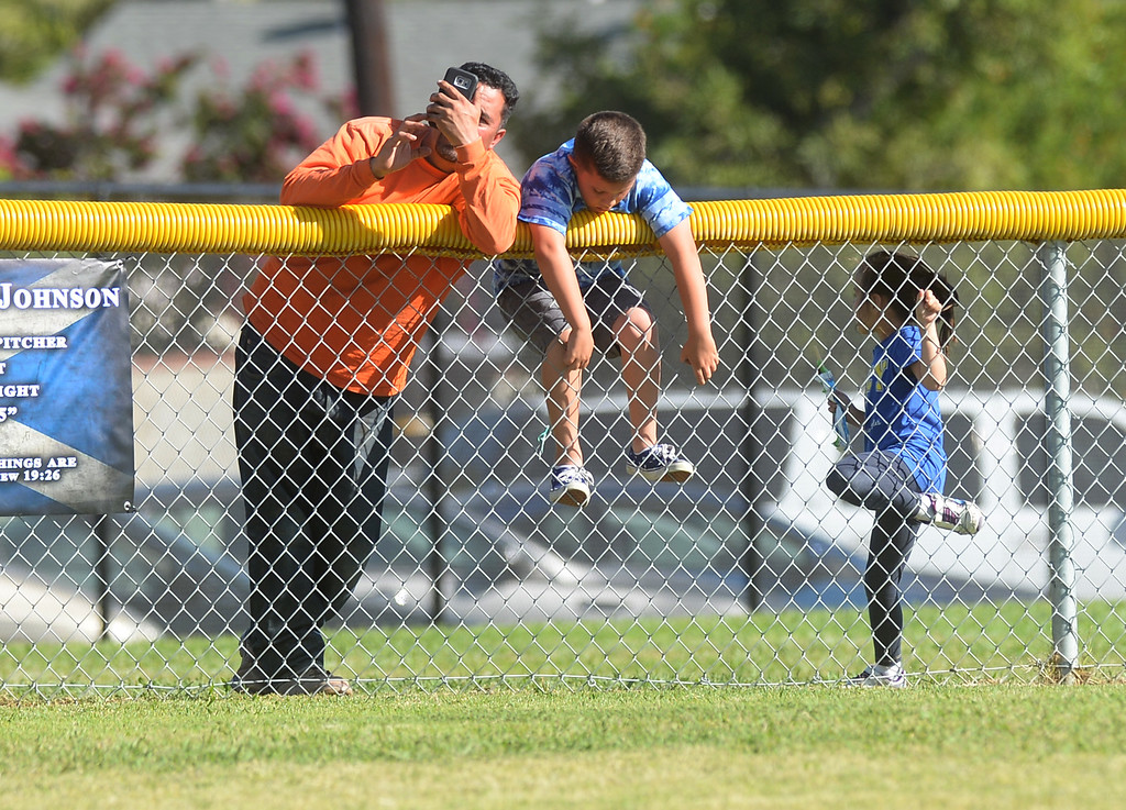. La Habra plays Fullerton in their Freeway League girls softball game at La Habra High School in La Habra on Thursday April 20, 2017. La Habra defeated Fullerton 12-0. (Photo by Keith Durflinger/Whittier Daily News/SCNG)