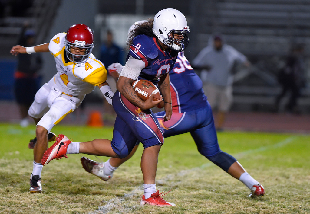 . Leuzinger defender Sione Tukutau retruns an interception for a touchdown in Lawndale, CA on Friday, September 22, 2017. (Photo by Scott Varley, Daily Breeze/SCNG)
