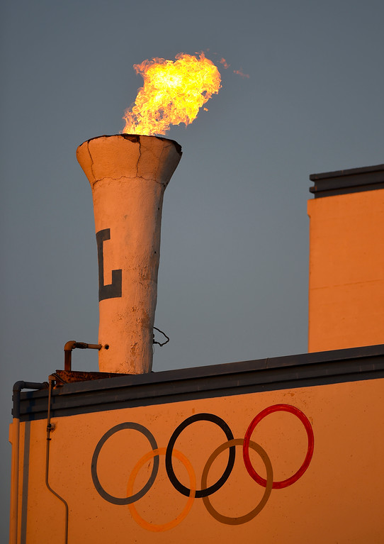 . As the sun sets, Leuzinger High�s olympic flame burns bright before their game against Hawthorne in Lawndale, CA on Friday, September 22, 2017. (Photo by Scott Varley, Daily Breeze/SCNG)
