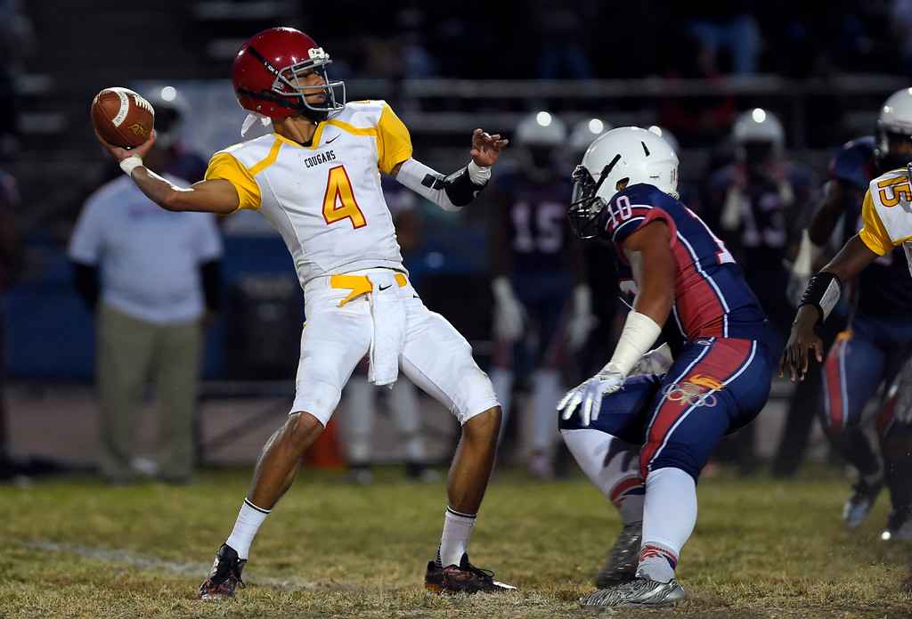 . Hawthorne\'s Joshua Robledo fires off a pass in Lawndale, CA on Friday, September 22, 2017. (Photo by Scott Varley, Daily Breeze/SCNG)