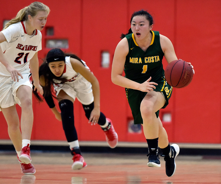 . Costa�s Halle Maeda brings the ball up the court in Redondo Beach, CA on Thursday, February 9, 2017. Mira Costa girls basketball team came from behind to beat Redondo 44-41. (Photo by Scott Varley, Daily Breeze/SCNG)
