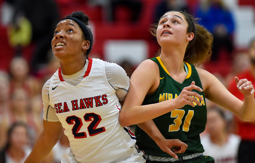 . Redondo�s Kayla Ideozu, left, and Costa�s Allie Navarette go for a freethrow rebound in Redondo Beach, CA on Thursday, February 9, 2017. Mira Costa girls basketball team came from behind to beat Redondo 44-41. (Photo by Scott Varley, Daily Breeze/SCNG)