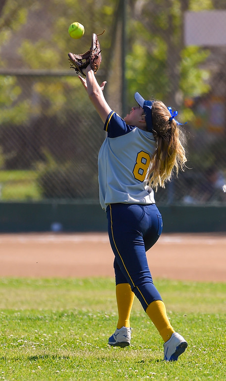 . Mary Star center fielder Rose Amalfitano stretches to snag a fly ball in Long Beach on Wednesday, April 12, 2017. St. Anthony beat Mary Star 4-3. (Photo by Scott Varley, Press-Telegram/SCNG)