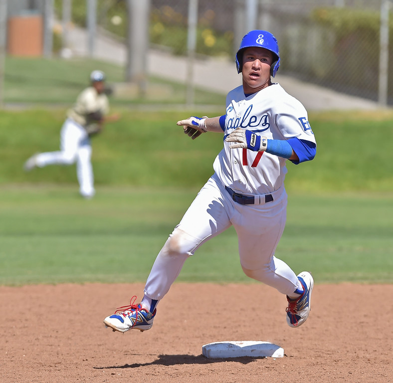 . El Segundo beat visiting West Torrance 6-3 in first round CIF Southern Section Division 3 baseball playoffs Thursday May 18, 2017. Brendan Casillas heads to third as relay heads his way for out.  Photo By  Robert Casillas, Daily Breeze/ SCNG