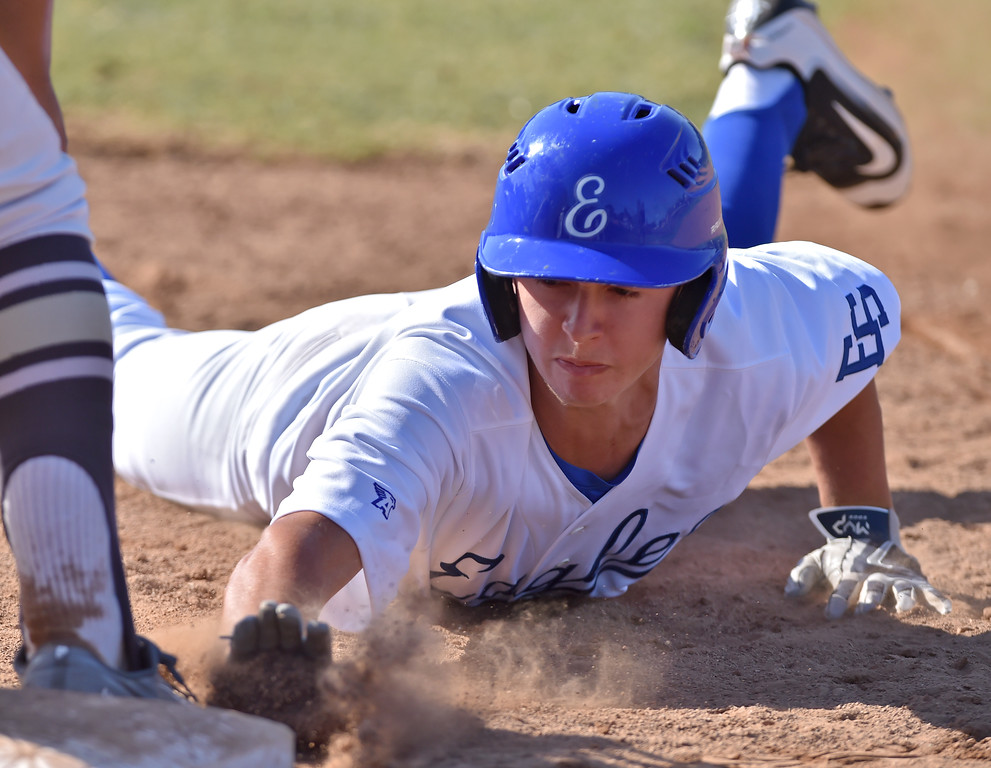 . El Segundo beat visiting West Torrance 6-3 in first round CIF Southern Section Division 3 baseball playoffs Thursday May 18, 2017. Sean Emery dives back at first.  Photo By  Robert Casillas, Daily Breeze/ SCNG