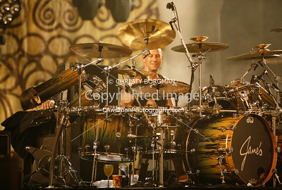 Stephen Perkins- behind the curtain before the show started.