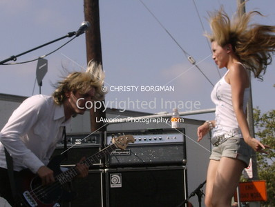 Etty Farrell and Carl Restivo. Satellite Party Flash Mob @ Epoxybox Gallery in Venice, CA 5-27-07