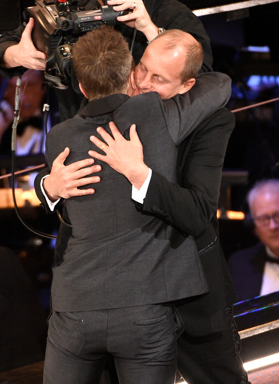 ". Woody Harrelson, left, congratulates Sam Rockwell, winner of the award for best performance by an actor in a supporting role for ""Three Billboards Outside Ebbing, Missouri\"" at the Oscars on Sunday, March 4, 2018, at the Dolby Theatre in Los Angeles. (Photo by Chris Pizzello/Invision/AP)"
