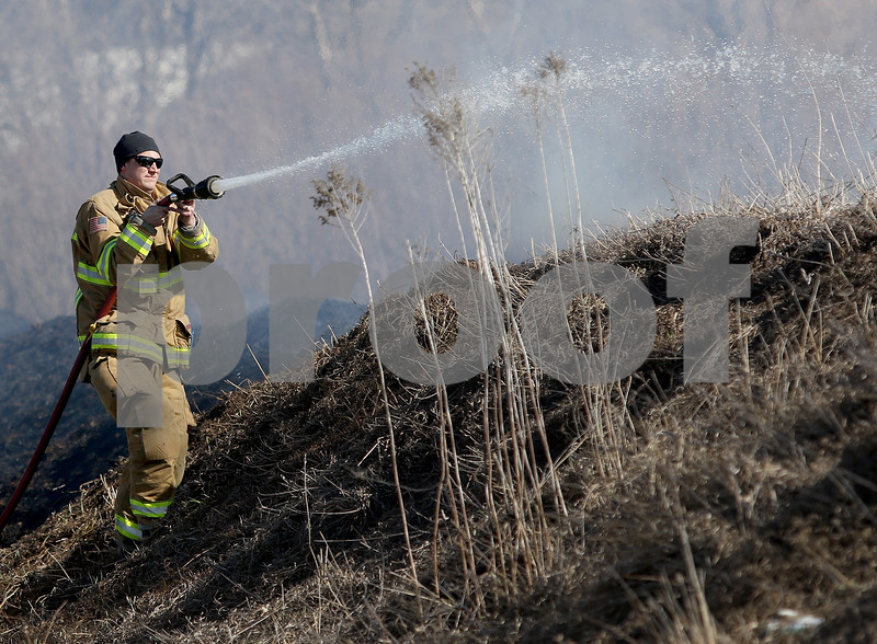 dnews_0308_Brush_Fire_04
