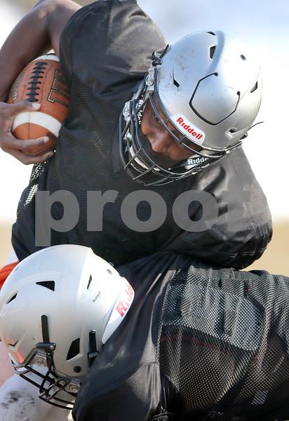dc.sports.0310.KanelandFootball