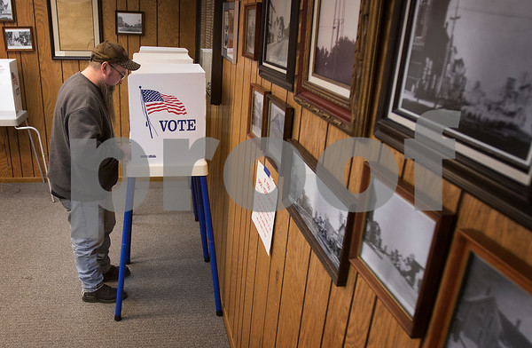 dnews_0320_Early_Voting_01