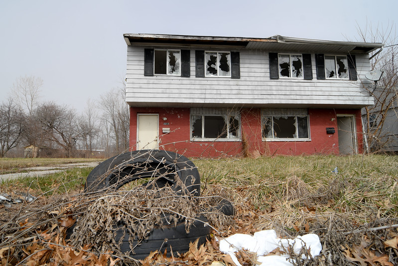 Eric Bonzar—The Morning Journal <br /> A duplex located at 2214 W. 23rd St., Lorain, remains a target home for razing, by the Lorain County Land County Reutilization Corp.