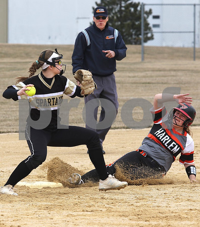 dc.sports.0329.sycamore softball09