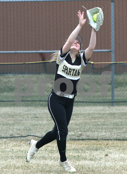 dc.sports.0329.sycamore softball08