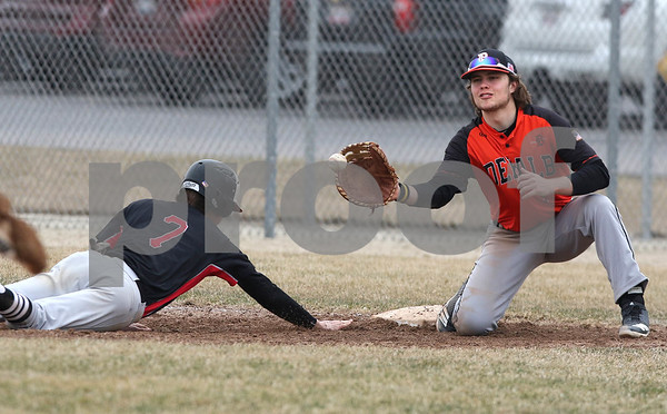 dc.sports.0330.dekalb baseball01
