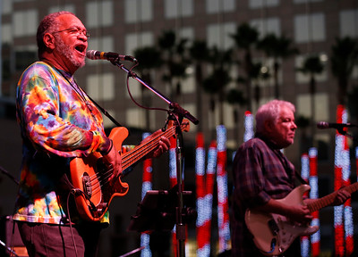 George Porter Jr., at left, and Brian Stoltz perform with Funky Meters during the San Jose Jazz Festival at the Plaza de César Chavez in San Jose, Calif., on Friday, Aug. 12, 2016. (Jim Gensheimer/Bay Area News Group)