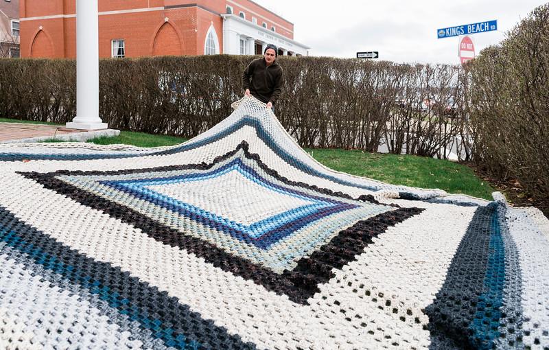 4 8 20 Annette Sykes crochet quilt 7