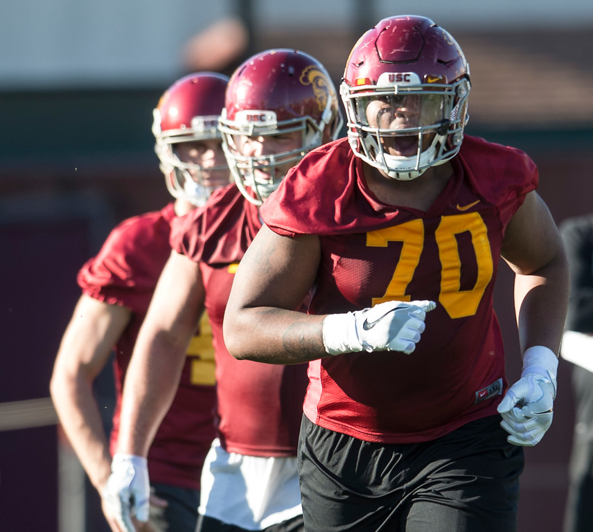 . Chuma Edoga runs to his spot during USC�s spring football practice at Howard Jones Field/Brian Kennedy Field in Los Angeles on Thursday, March 09, 2017. (Photo by Ed Crisostomo, Los Angeles Daily News/SCNG)