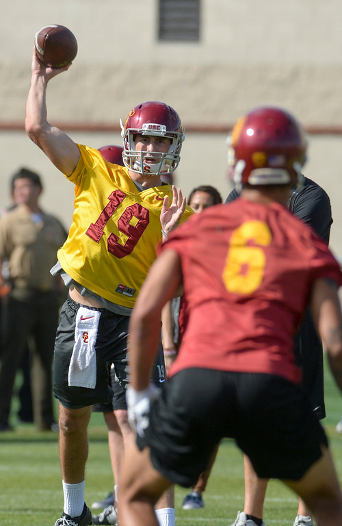 . USC\'s QB Matt Fink, #19, passes during spring practice at USC Thursday, April 13, 2017.  ( Photo by David Crane, Los Angeles Daily News/SCNG)