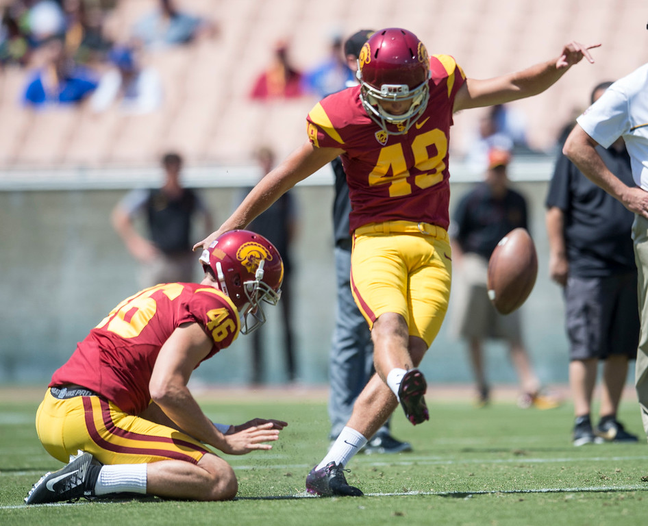 . Michael Brown kicks a field goal during USC Spring Game at the Los Angeles Memorial Coliseum in Los Angeles on Saturday, April 15, 2017. (Photo by Ed Crisostomo, Los Angeles Daily News/SCNG)