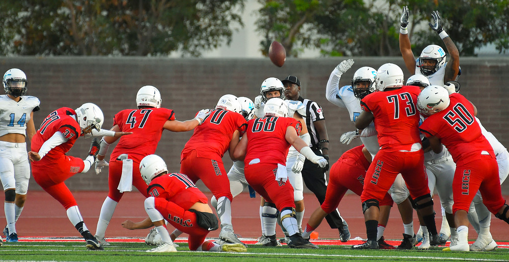 . LBCC\'s Gerod Johnson kicks an extra point in Long Beach on Saturday, September 16, 2017. (Photo by Scott Varley, Press-Telegram/SCNG)